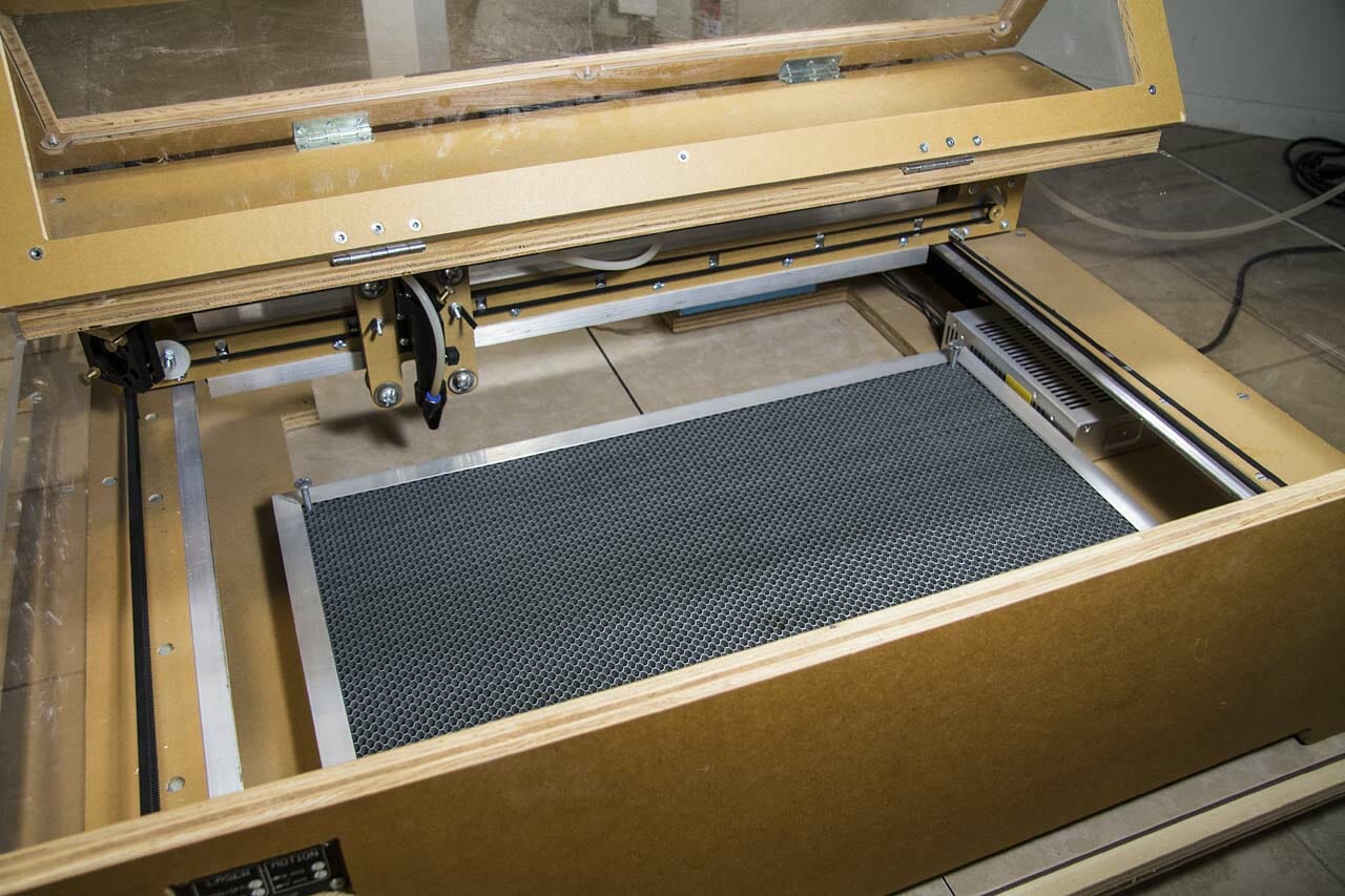 Blacktooth Laser Cutter with Steel Honeycomb