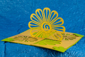 Flower 108º Open Twisted Crest Pop Up Card