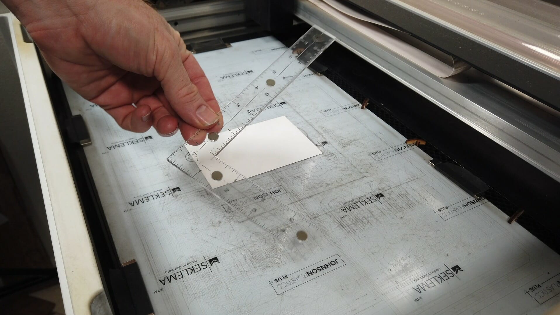Acrylic square for positioning